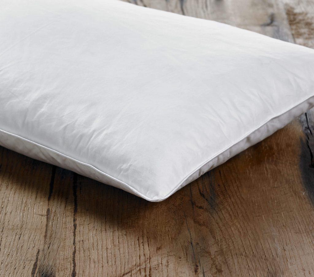 Dacron Comforel Pillow